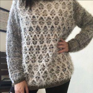 Black rivet black & gold fuzzy sweater size XL